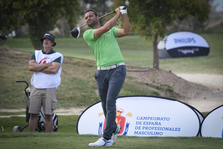 Carlos del Moral, en cabeza del Signify Campeonato de España de Profesionales con 64 golpes
